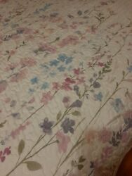 Beautifully Designed Queen Quilt Covering Three Piece Set Lilac Flowers...