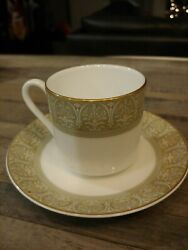 Royal Doulton China Sonnet H5012 Pattern Cup And Saucer Set - 3
