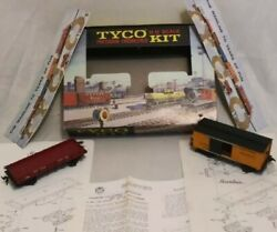 Vtg 1962 Tyco Ho Precision Kit 1860 Box Car And 1860 Platform Car W/box And Papers