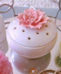 New Scentsy quot;In Bloomquot; Cream With Flower Lid Electric Element Wax Warmer