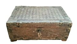 Vintage Wooden Hand Crafted Money / Jewellery Box Collectibles Lock And Key
