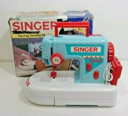 Childs Singer Zig-zag Child's Toy Sewing Machine Vintage Handle Compartment 1993