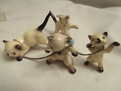 VINTAGE JAPAN 3 SIAMESE CAT FIGURINES ON CHAIN amp; ONE PLAYING WITH YARN SWEET