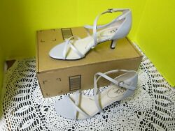 Life Stride Flaunt Womens Heeled Open Toe Strappy Sandals Silver Size 9 M New