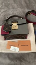 Louis Vuitton Spring Street Champagne Color