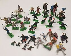 Mixed Lot Of 34 Britains Deetail 1971 Mounted Knights Horses Indians Figures