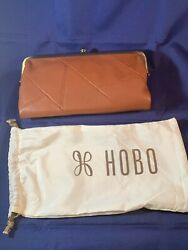 Hobo Lauren Clutch Wallet Brown NEW WITH DUST BAG and TAGS $97.46