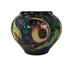 Moorcroft Queens Choice Vase - 2003 - 402/4 - Emma Bossons - Made In England