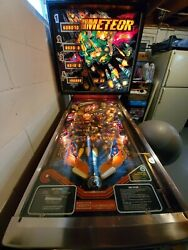 1979 Stern Meteor Pinball Machine W/ Extra Playfield Targets. Plays Great
