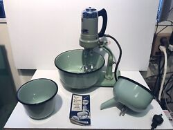 Universal Vintage Jade Green Electric Food Mixer E-770 Landers Frary And Clark