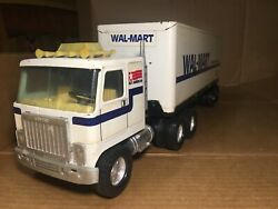 Vintage Nylint Corp. Wal-mart Truck Gmc 18 Wheeler 1980andrsquos
