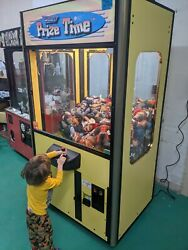 Smart Prize Time Claw Machine Bill Acceptor Nice Arcade Game