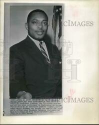 1963 Press Photo Hobert Taylor Joins President Johnsonand039s Personal Staff In D.c.