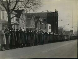 1964 Press Photo Police Line Streets For Funeral Of Thomas Mcavoy In New York