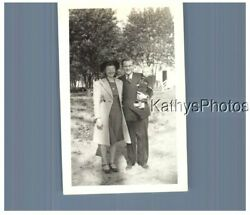 Found Bandw Photo H_5288 Man Holding Woman On One Side, Baby On The Other