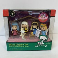 Peanuts Nativity Christmas Play Fold Out Stage Mini Figure Set Charlie Brown