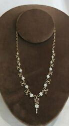 14k Yellow Gold Necklace With 15 Groups Of Graduated Diamond Flowers