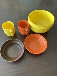 Vintage Child Play Tupperware Mini Set Of 5 Mugs Cups Harvest Toy Dishes Bowls