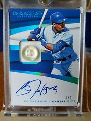 2018 Immaculate Baseball Bo Jackson 1/3 Game Used Button And Blue Hard Signed Auto