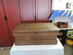 Vintage Wooden Carpenters Tool Chest 2
