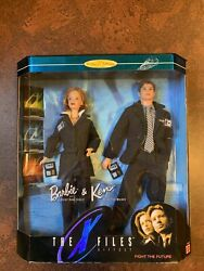 Mattel 19630 The X Files Barbie And Ken, Scully And Mulder, Dolls, Gift Set. Mint