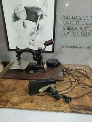 Vintage Antique Sewing Machine Wilcox And Gibbs New York Tested Works