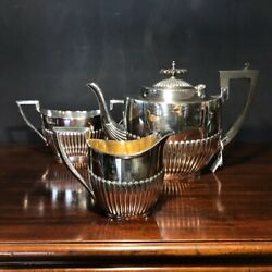 English Sterling Silver Tea Service Walker And Hall 1902/3. 1078g.