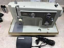 Sears Kenmore Portable Sewing Machine Model 148   148.14220