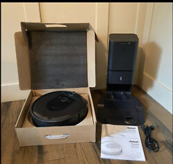 Roomba I7 Robot Vacuum And Clean Base Automatic Dirt Disposal