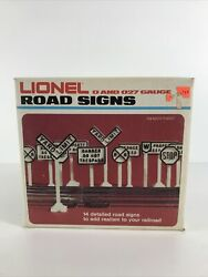 Lionel - 14 Detailed Road Signs -- 6-2180 -- Made In Usa