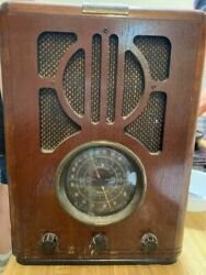 Vintage Thomas Collectors Edition Table Top Radio With Cassette Works