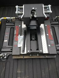 Demco Autoslide Hitch. Does Not Include The Puck System Or Side Mount Plates