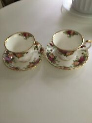 Vintage 1962 Royal Albert Bone China England Old Country Roses Tea Cups And Saucer