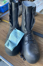 Us Military Issue Extreme Cold Weather Mickey Mouse Boots Bunny W/ Valve 9w New