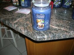 YANKEE CANDLE 1 22 0Z NEW ENGLAND BLUEBERRY RARE VILLAGE EXCLUSIVE WITH MUFFIN