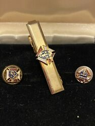 Vintage Knights Of Columbus Gold Tone Tie Clip And Two Lapel Pin