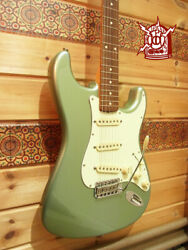 Used Fender American Vintage Thin Lacquer And03962 St Type Usa 2001 Free Shipping