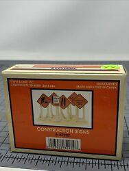 Lionel Construction Zone Signs Train Road Track Highway Maintenance 6-32902 L4