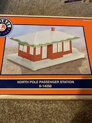Lionel 6-14258 North Pole Passenger Station With Lighted Interior