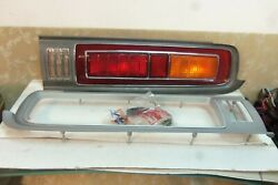Nos Toyota トヨタ Crown 2600 Deluxe Rs60 Taillight Rear Lamp Rims Pair And Rh Lens