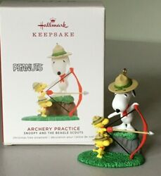 Hallmark 2019 Snoopy And The Beagle Scouts ARCHERY PRACTICE Ornament NMIB