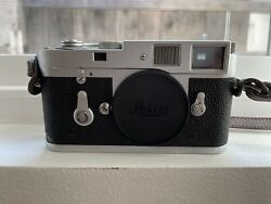 Stunning Leica M2 Camera With Box Original Accessories And Paperwork