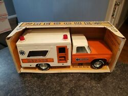 Vintage Nylint Pressed Steel Ambulance Rescue Truck In Box W/ Accessories 4132