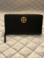 Tory Burch NWT Carson Zip Continental Black Leather Wallet $99.99