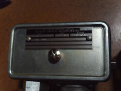 Detroit Switch Thermostatic Switch Part 2221303 Nsn 5930-00-577-8563 22210nl22