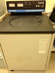Sorvall / Dupont Instruments RC-5B Refrigerated Superspeed Centrifuge Two Rotors