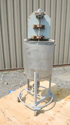 8 Gallon Stainless Steel Tank, Jacketed With Air Mixer