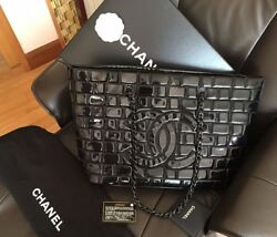 CHANEL RARE CC PATENT ICE CUBE QUILTED LEATHER BLACK CHAIN SHOULDER TOTE HANDBAG