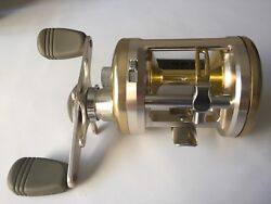 Daiwa Millionaire Cv-z 300a Baitcasting Reels Excellent Condition Made In Japan