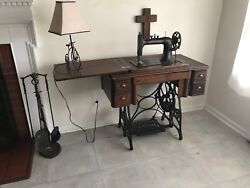 Antique 1923 New Home Sewing Machine Series B High Arm Flat Tension